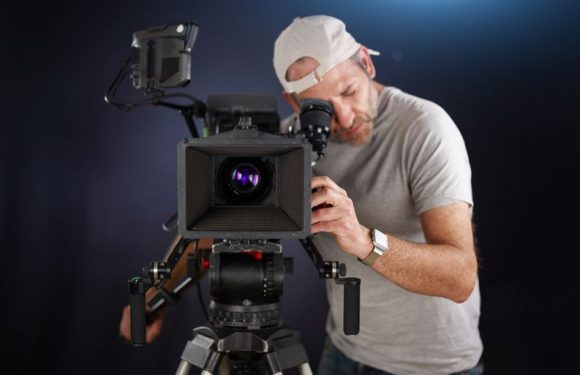 Un cameraman [object object] Un cameraman 19983445 m 580x375 [object object] Accueil 19983445 m 580x375